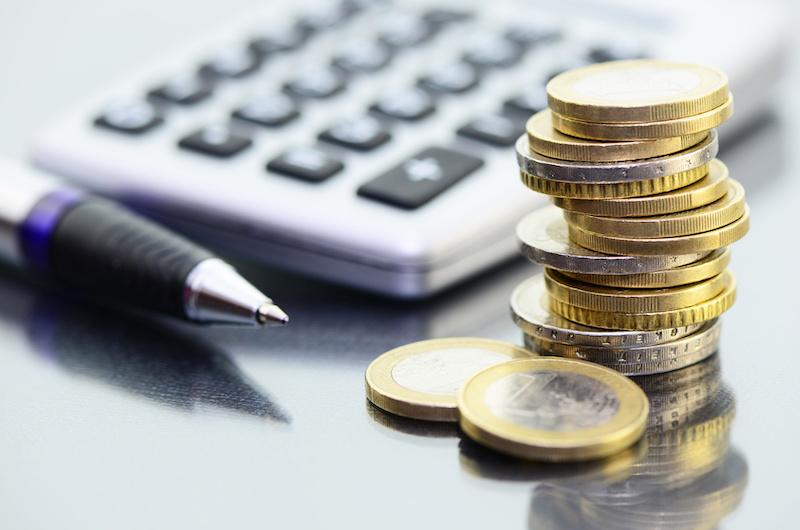 Geldstapel Online-Bezahlungsmarkt